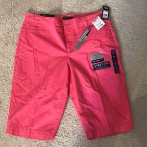 NWT women's Bandolino Bermuda shorts